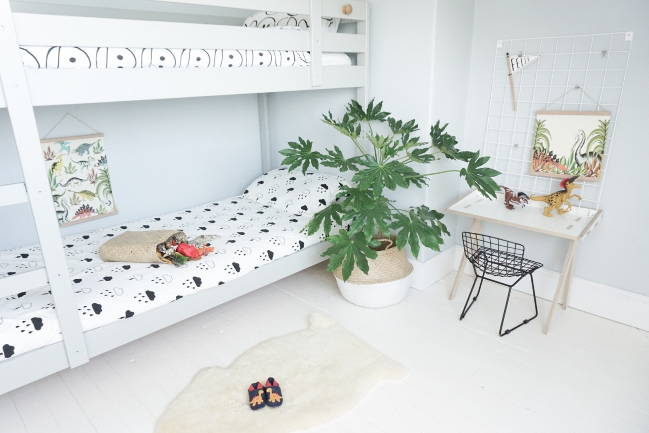 velveteen-babies-creates-a-shared-bedroom-with-ikea-bunkbed-on-the-blog