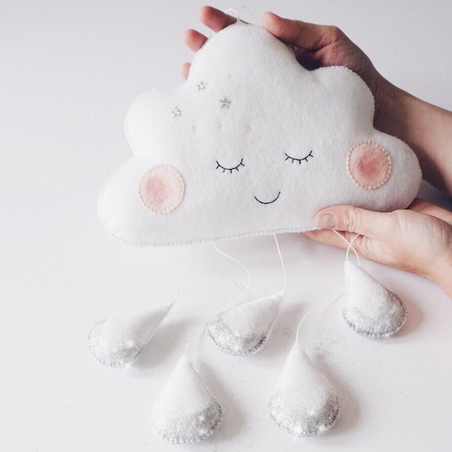 velveteen-babies-sleepy-cloud-mobile-droplets