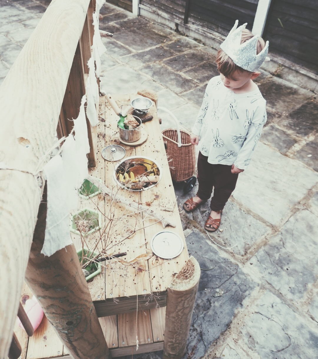 plum-play-mud-pie-kitchen-outside-play-velveteen-babies-kids-design-blog
