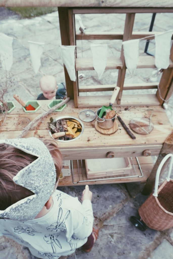 plum-play-mud-pie-kitchen-review-outdoor-play-velveteen-babies-blog